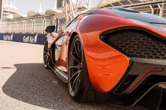 McLaren P1 Back Trasera at Circuit